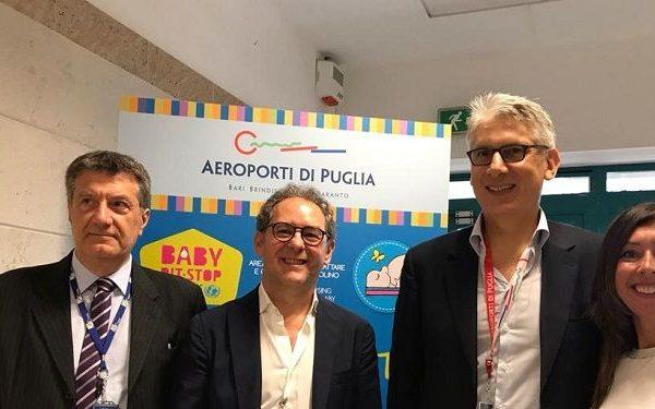 """UNICEF e Aeroporti di Puglia: inaugurato all'aeroporto Karol Wojtyla di Bari il nuovo Baby Pit Stop """"Qui la mamma che allatta è benvenuta"""""""
